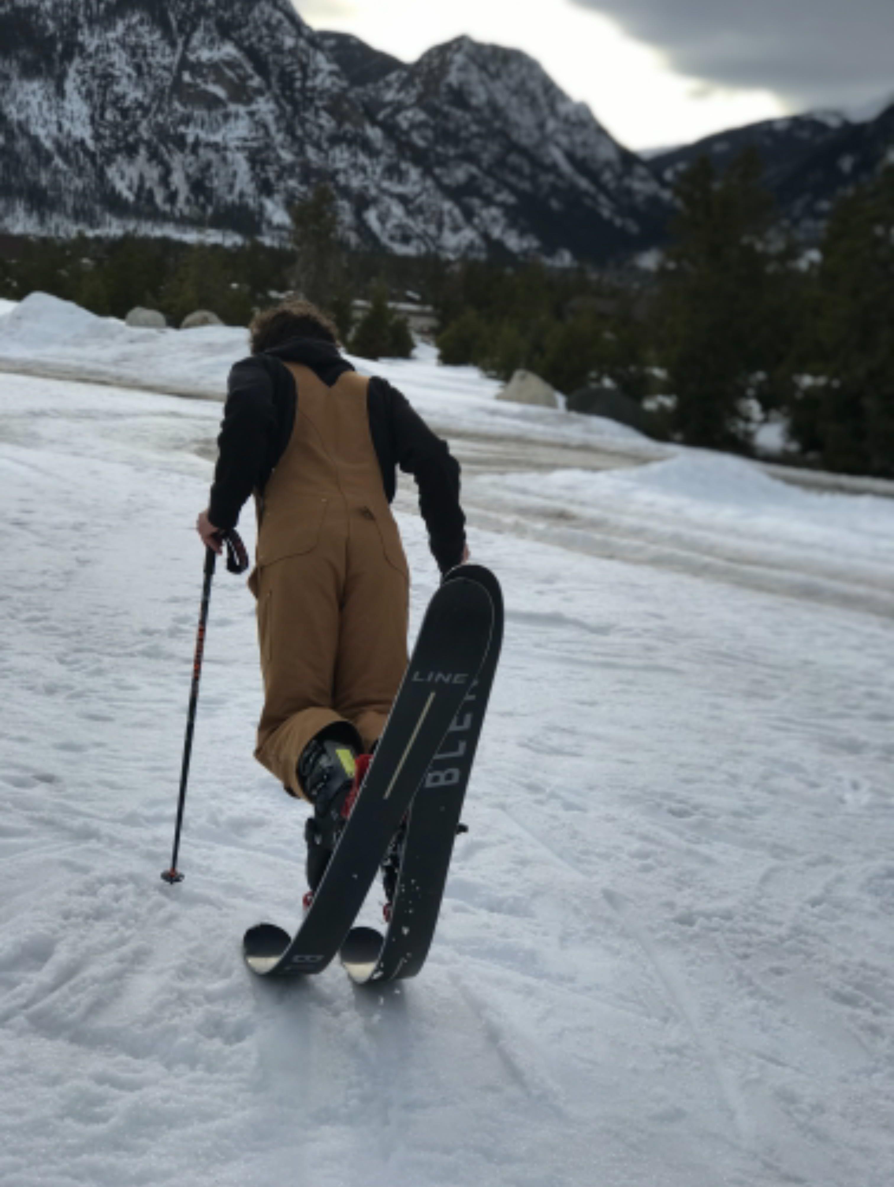 Skis Expert Noah Miller
