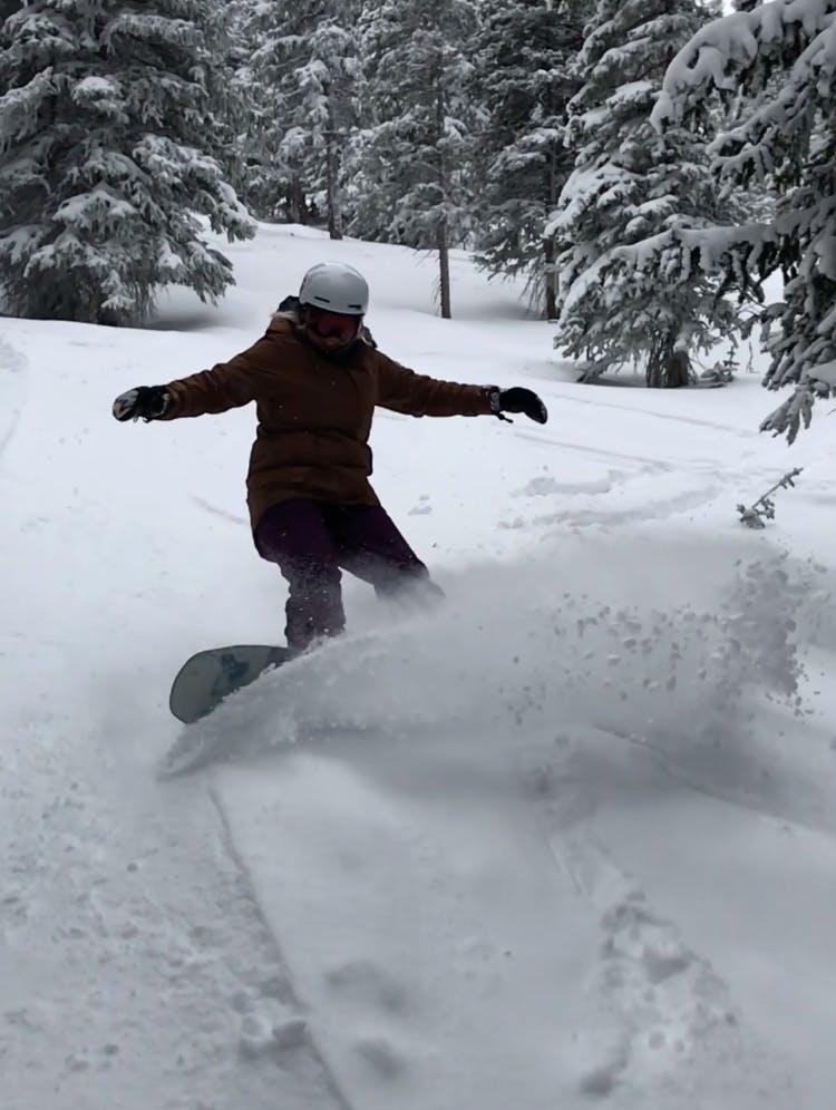 Snowboard Expert Hannah S.